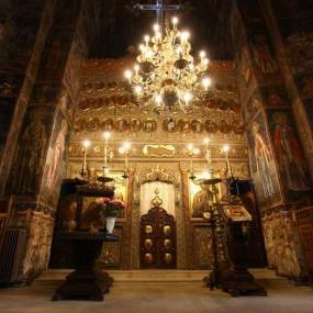 Naosul Mănăstirii Cozia