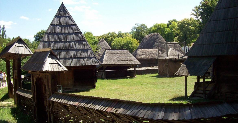 Muzeul Satului Vâlcean din Bujoreni - Vâlcea