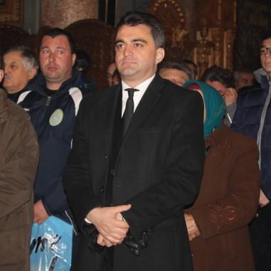 Credincioși la Catedrala Arhiepiscopală