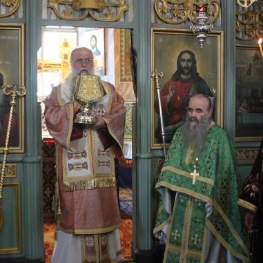 ÎPS Varsanufie și Arhimandritul Ioanichie