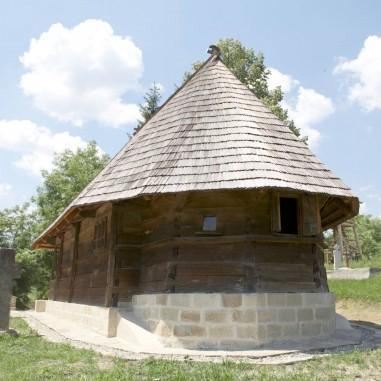 """Biserica """"Sfânta Cuvioasă Parascheva"""" - sat. Igoiu, comuna Alunu"""