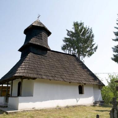 """Biserica """"Buna Vestire"""" """"Sfânta Cuvioasă Parascheva"""" - sat. Slătioara"""